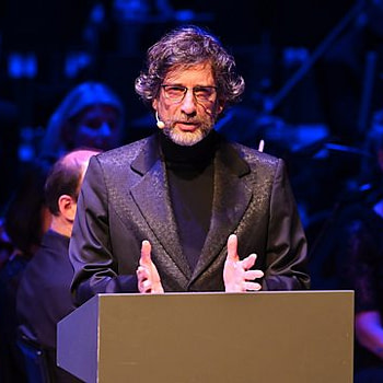 Neil Gaiman on the BBC, Streaming Globally For Free This Christmas