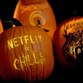 """Netflix Releases a """"Netflix & Chills"""" Video Promoting Their October Horror Releases"""