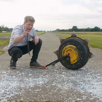 """Colin Furze Creates A Real Version Of Junkrat's RIP-Tire From """"Overwatch"""""""