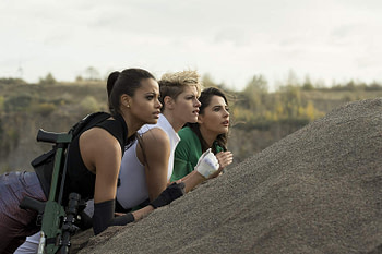 """""""Charlie's Angels"""" Review: A Fun Female Centric Take on a Goofy Classic"""