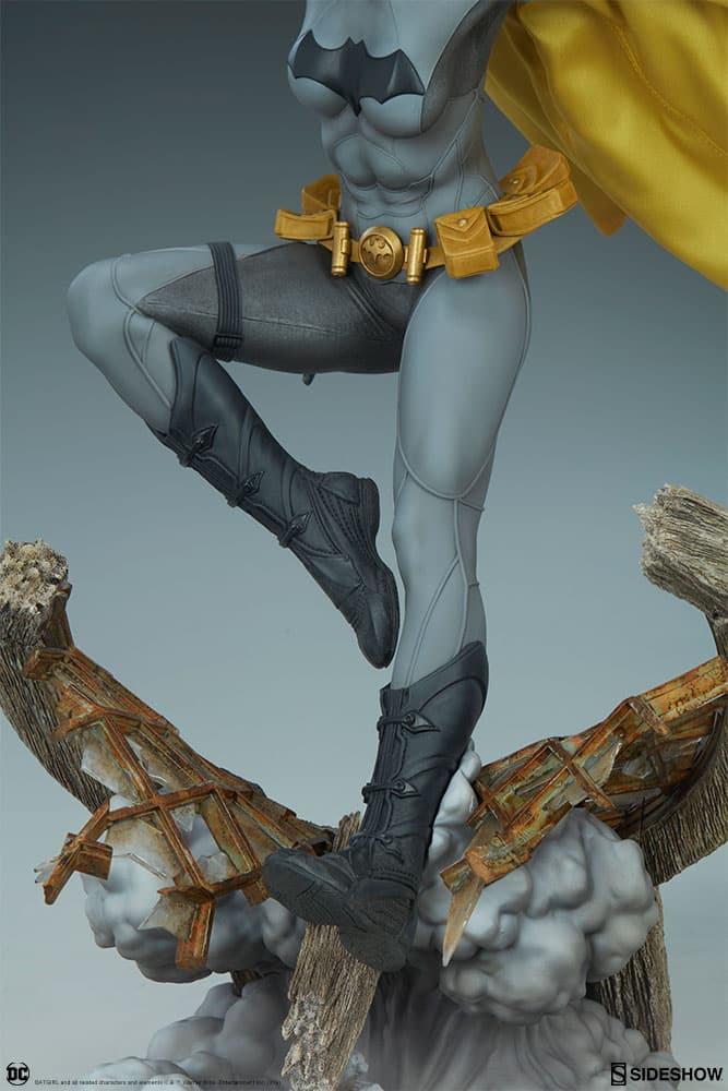 Sideshow Collectibles Batgirl Premium Format 6