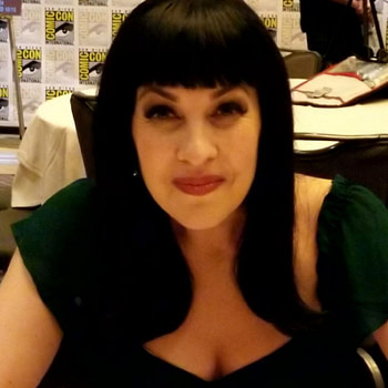 Teen Titans GO! Vs. Teen Titans Grey Griffin Talks Mrs. Claus, Snow White & More
