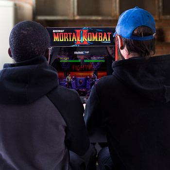 "Review: Arcade1Up's ""Mortal Kombat"" Arcade Cabinet"
