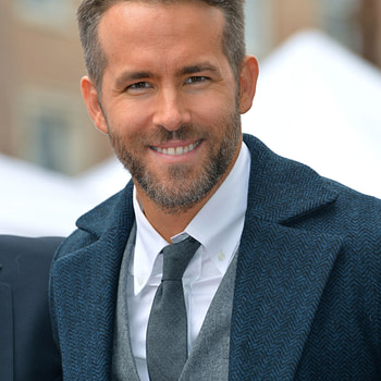 Ryan Reynolds at the Hollywood Walk of Fame Star Ceremony honoring actor Ryan Reynolds. Los Angeles, CA.