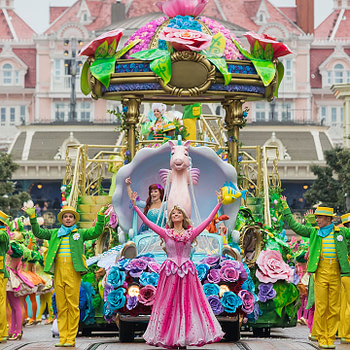 disneyland paris pirates and princesses parade