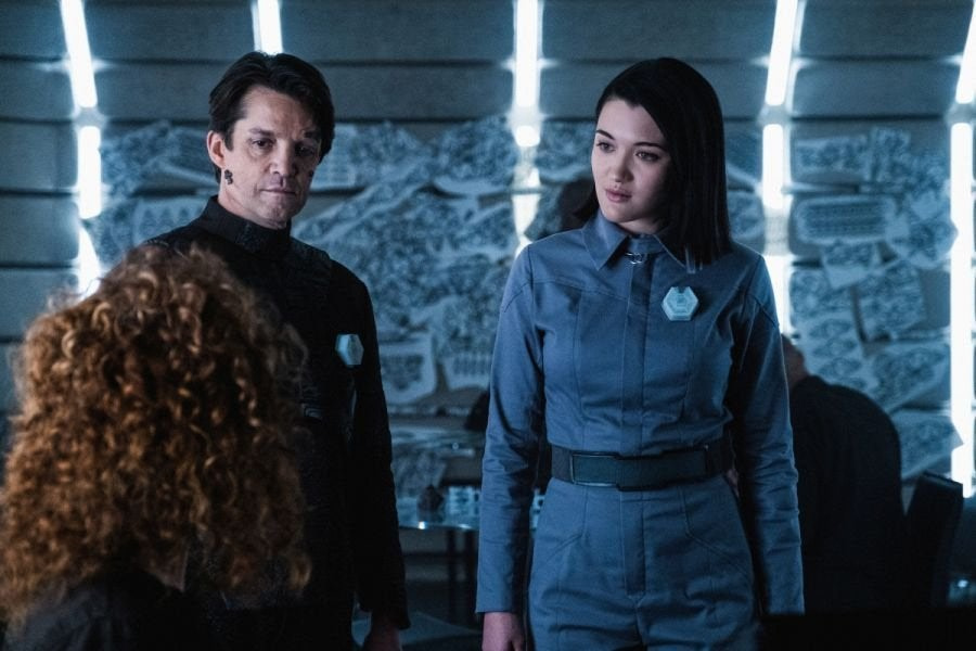 Jonathan Del Arco and Isa Briones in Star Trek: Picard