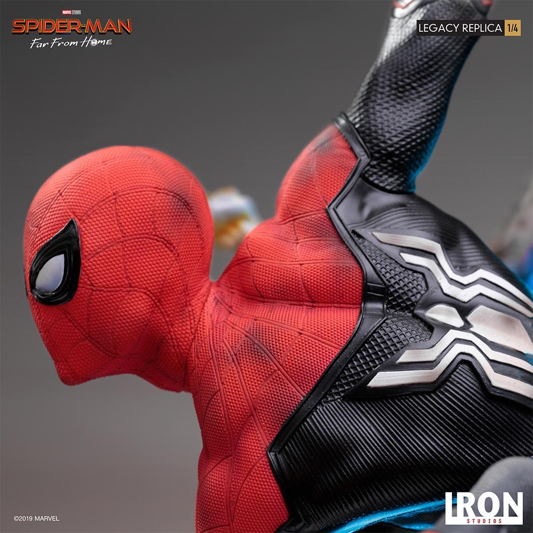 Spider-Man Breaks Free in New Iron Studios Statue