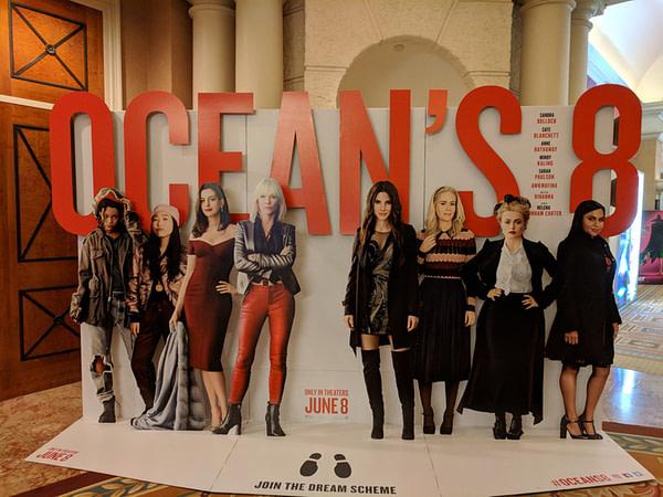 oceans 8 cinemacon standee