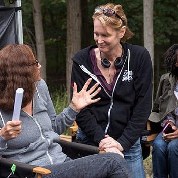 'Jessica Jones' Creator Melissa Rosenberg Has No Plans for Superhero Projects Under Warner Bros Deal