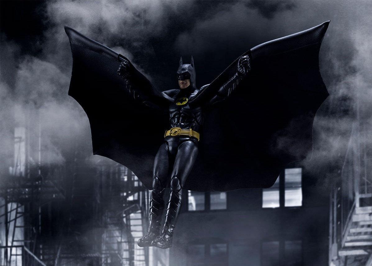 SH-Figuarts-1989-Batman-006