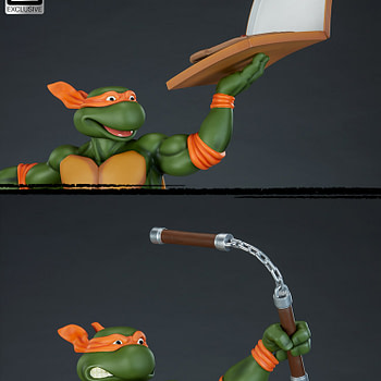 Mikey Grabs a Slice with New Sideshow Collectibles Statue