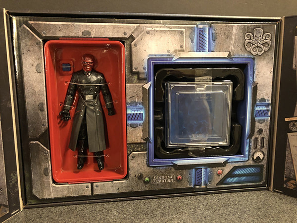 Marvel Legends SDCC Exclusive Red Skull and Tesseract 6
