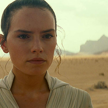 """Star Wars"": Daisy Ridley Says Filming ""The Rise of Skywalker"" was ""the Best"""