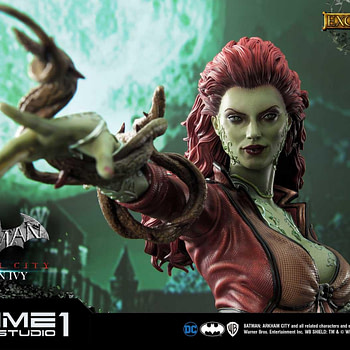"""Poison Ivy is Free in the New """"Batman Arkham City"""" Statue"""