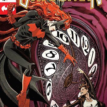 Batwoman #18 cover by Dan Panosian