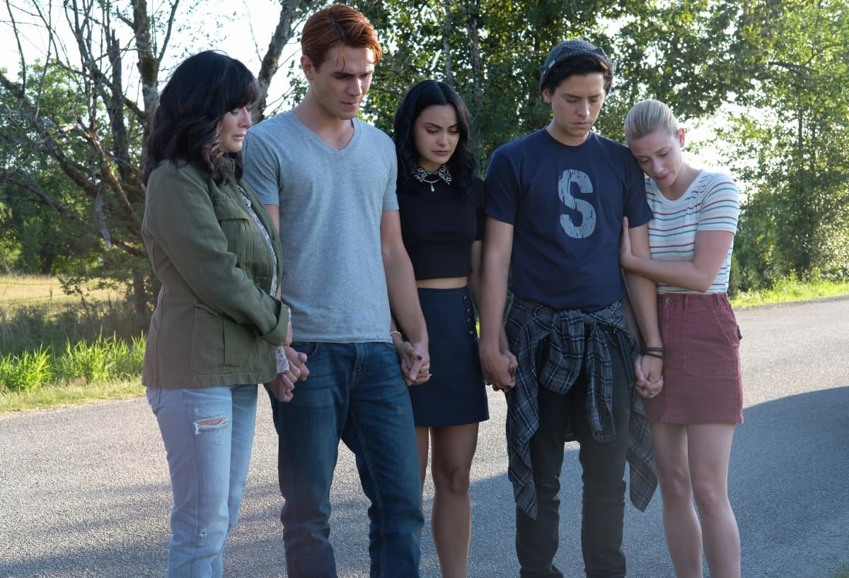 """""""Riverdale"""" Season 4 """"Chapter Fifty-Eight: In Memoriam"""" – We Said Goodbye To a Dear Old Friend [SPOILER REVIEW]"""