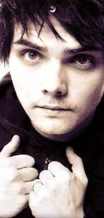 Gerard Way To Be Showrunner For DC Vertigo Titles Will Announce At ECCC