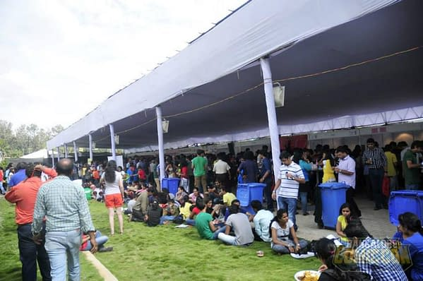 Food Court overflows to the lawns