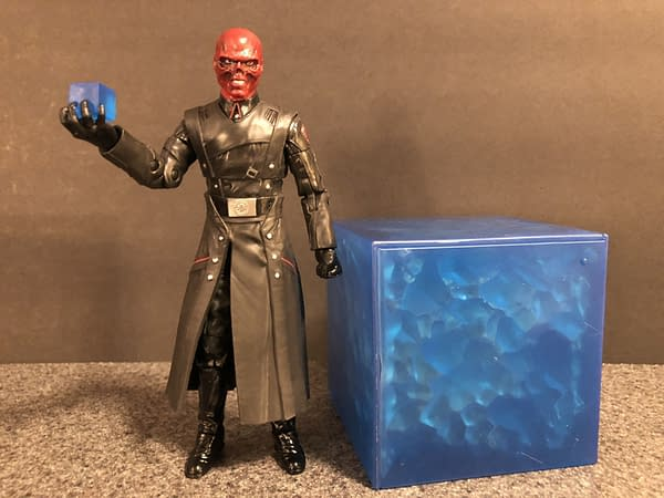 Marvel Legends SDCC Exclusive Red Skull and Tesseract 7