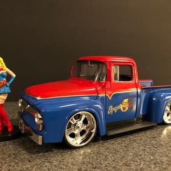 DC Bombshells Jada Toys Hollywood Rides Car Week: Supergirl