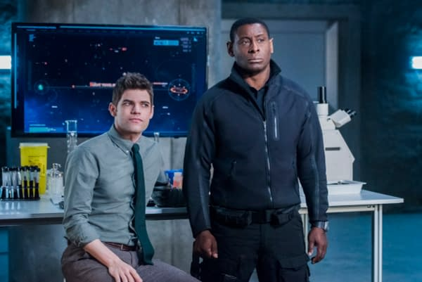 Supergirl Season 3: 16 New Images from 'The Fanatical'