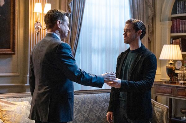 Dermot Mulroney et Tom Payne dans l'épisode final de la saison de Prodigal Son, gracieuseté de FOX.