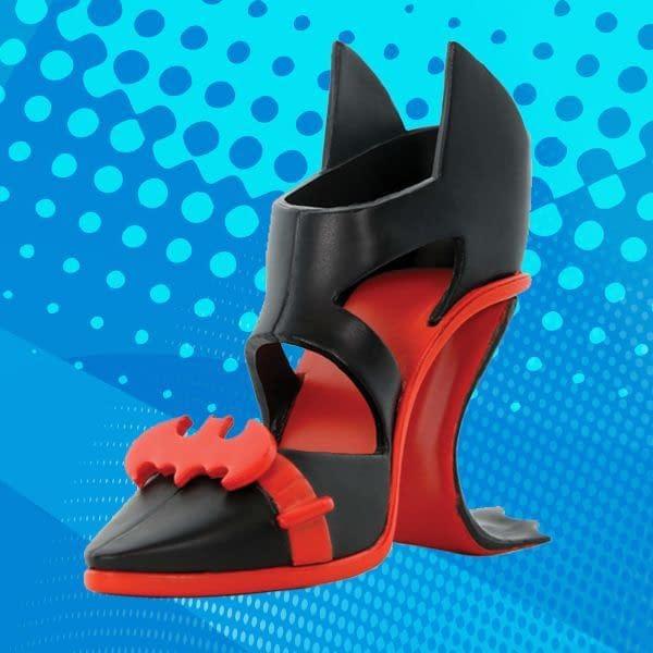 Cryptozoic Batwoman DC Pumps Vinyl Figure SDCC
