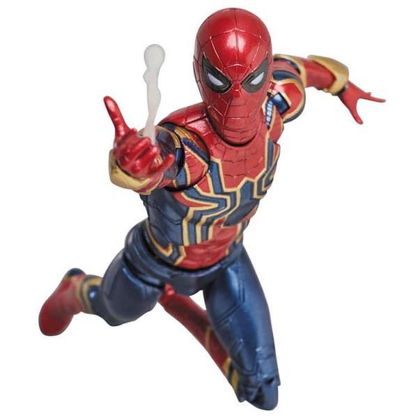 MAFEX Iron Spidey Infinity War 9
