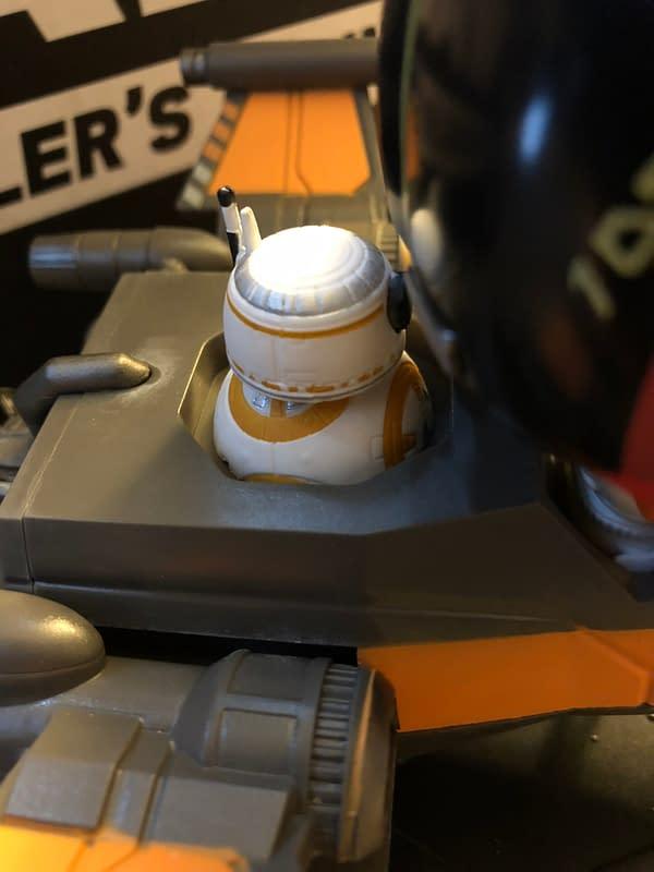 Unboxing The Last Jedi Funko Smuggler's Bounty Star Wars Box
