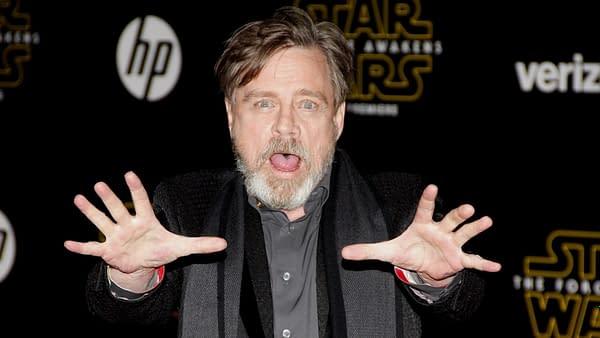 shutterstoMark Hamill lors de la première mondiale de 'Star Wars: The Force Awakens' qui s'est tenue au TCL Chinese Theatre à Hollywood, États-Unis, le 14 décembre 2015. Crédit éditorial: Tinseltown / Shutterstock.comck_351343061