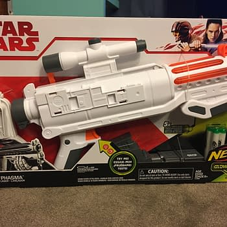 NERF Star Wars Captain Phasma Blaster 1