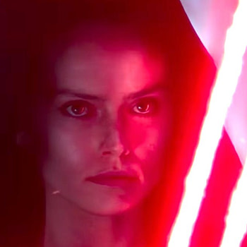 "'Star Wars: Rise of Skywalker': Dark Rey Was ""Fun to Play"" Says Daisy Ridley"