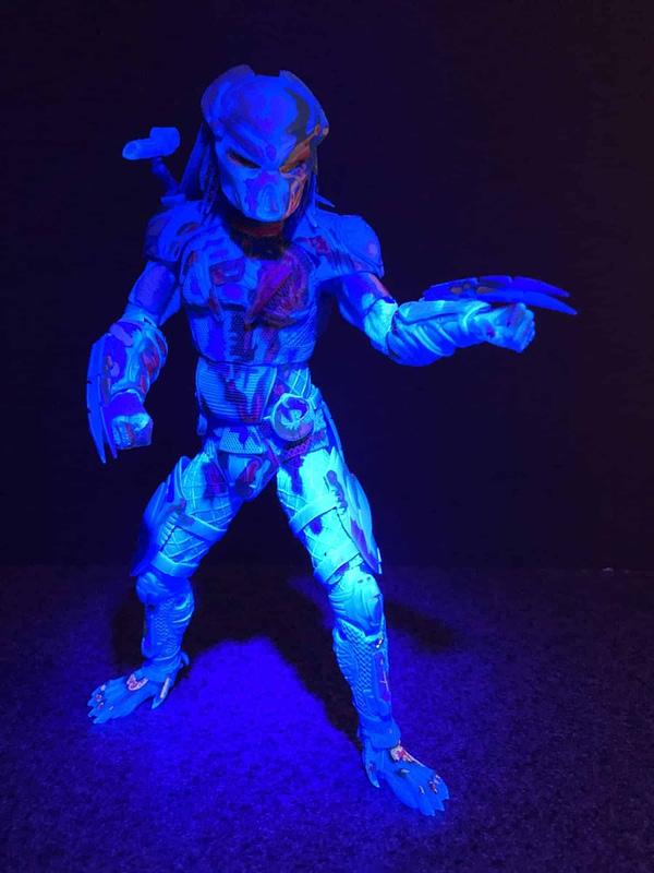 NECA Thermal Predator Target 3