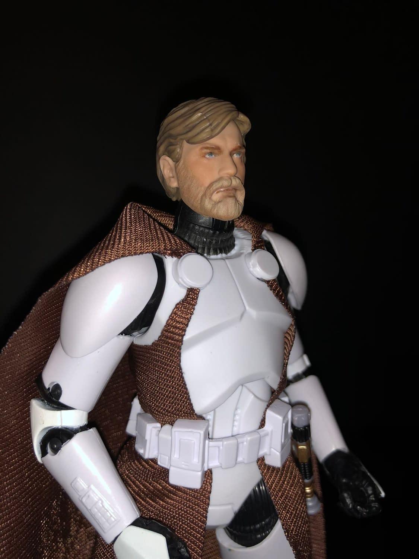 Clone Commander Obi-Wan Kenobi Joins the Battlefield [Review]