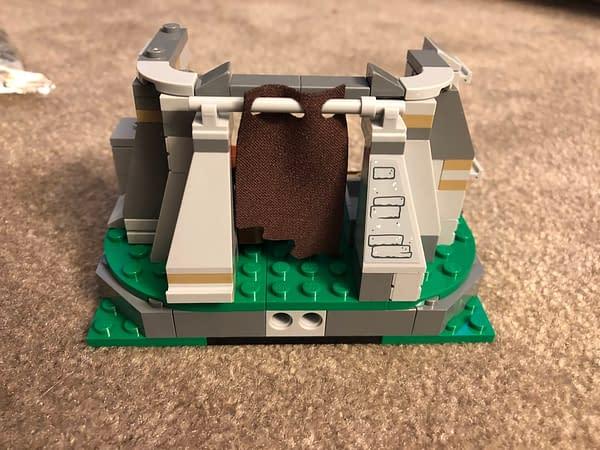 LEGO Star Wars Ahch To Training Set 9
