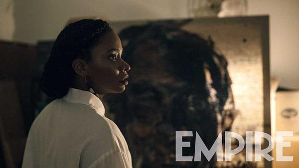 Teyonah Parris en tant que galeriste Brianna Cartwright dans Candyman (2020). Photo de MGM, Universal Pictures et Empire Magazine.