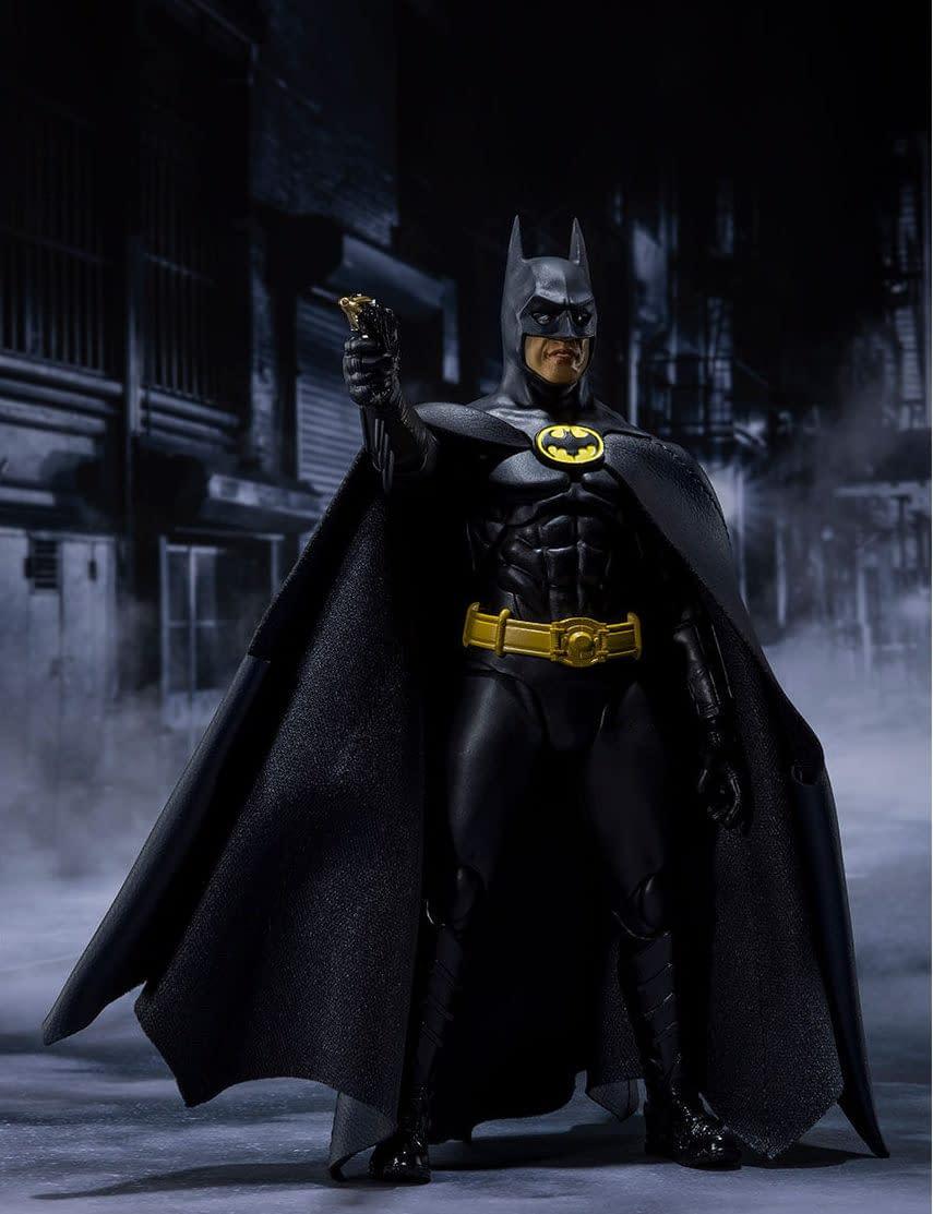 SH-Figuarts-1989-Batman-008