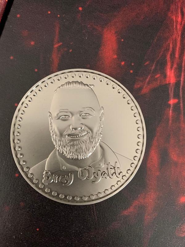 WWE Shop a vendu la boîte du collectionneur Fiend il y a quelques semaines.