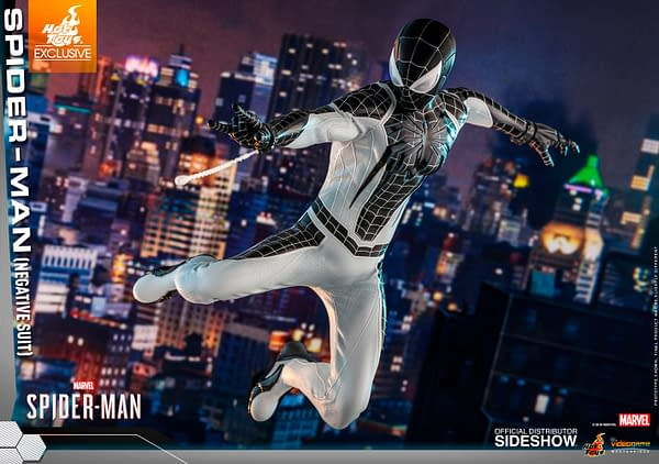 Marvel's Spider-Man is Brought To Life with Amazing Hot Toys Figures