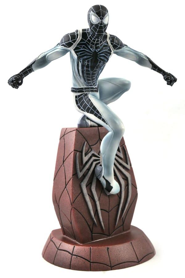 Negative Suit Spider-Man SDCC 2020 Diamond Gallery Statue