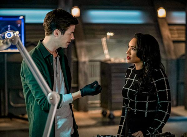 Barry explique ce qu'il a trouvé à Iris dans The Flash, gracieuseté de The CW.