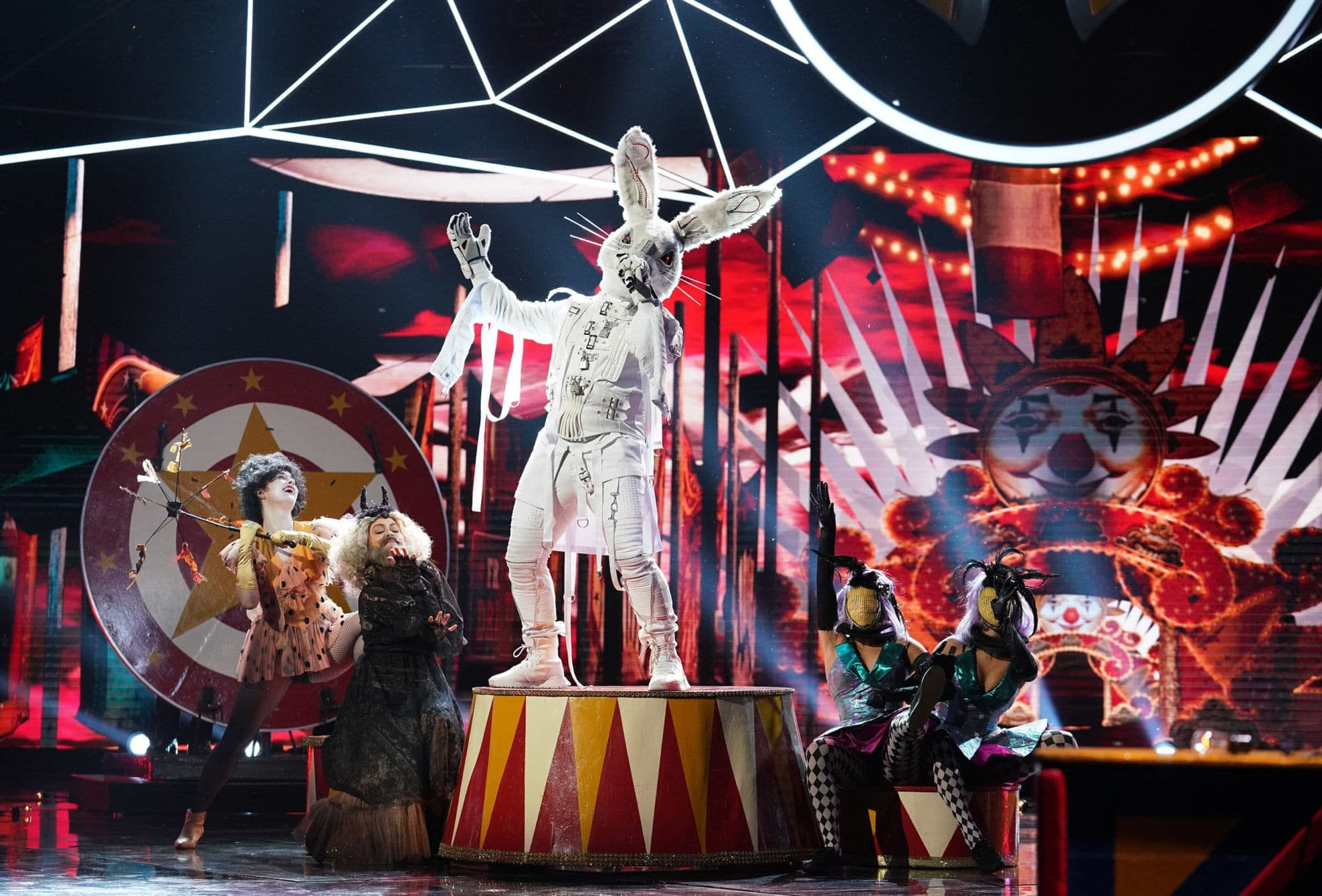 "'The Masked Singer' Season 1, Episode 7 ""All Together Now"" Is One ""Smoove"" Criminal [REVIEW]"