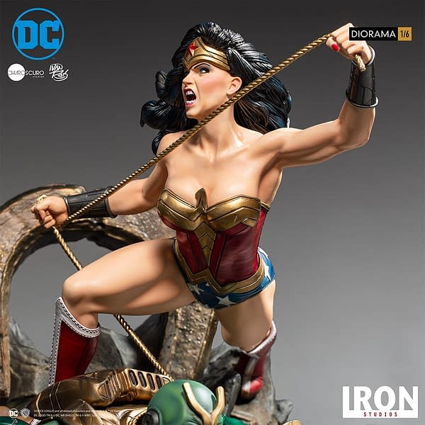 Wonder Woman Vs Darkseid Diorama 1/6 DC Comics by Iron Studios