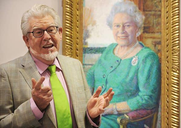 Rolf-Harris-Queen-Painting