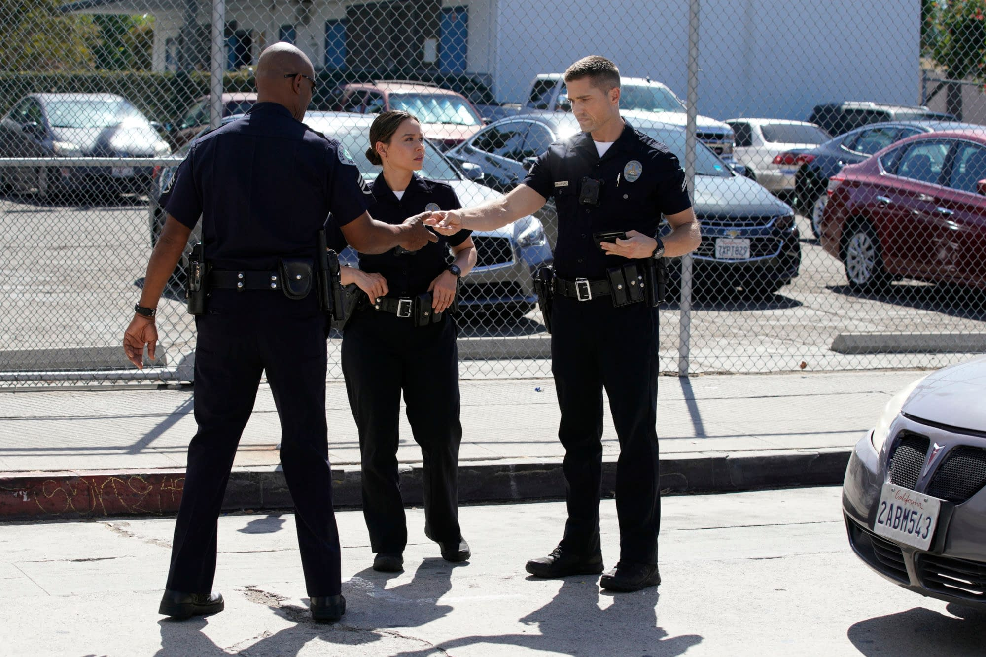 """""""The Rookie"""" Season 2 """"Clean Cut"""" Preview – Alan Tudyk's Guest Role Is Bloody Awesome [SPOILERS]"""