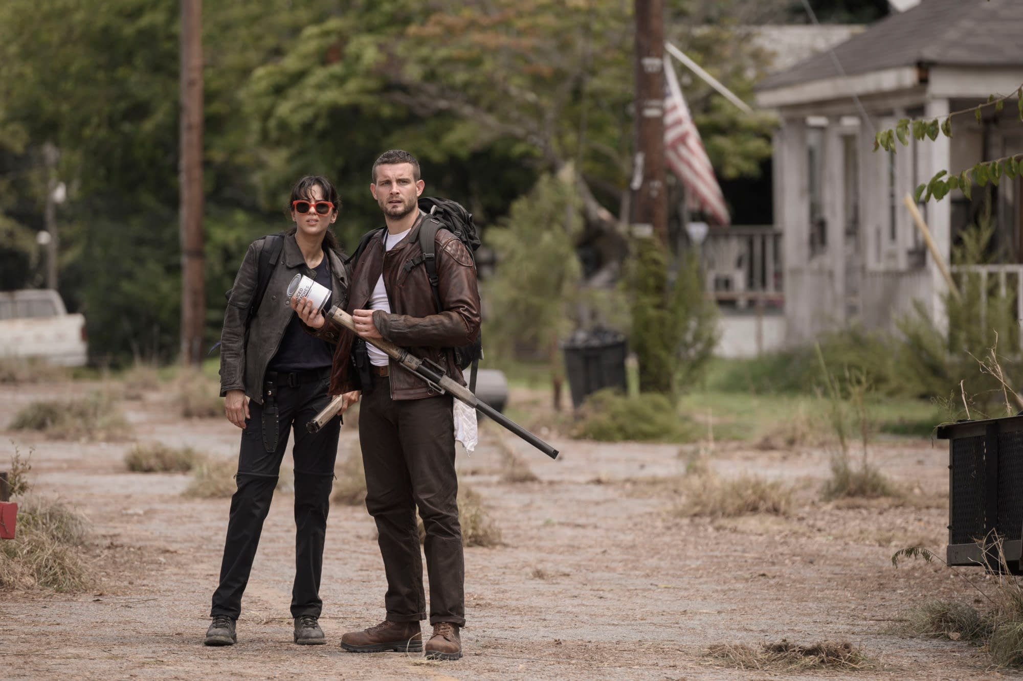 """""""The Walking Dead: World Beyond"""": New Spinoff Teaser Previews Julia Ormond's CRM Rep Elizabeth – """"We Are the Last Light of the World"""""""