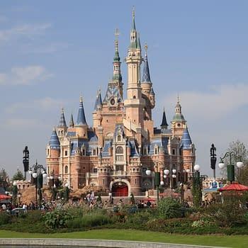 The castle at Shanghai Disneyland. Attribution: MasaneMiyaPA / CC BY-SA (https://creativecommons.org/licenses/by-sa/4.0)