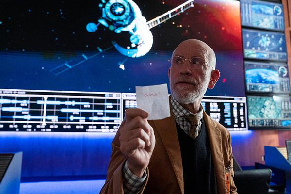 Dr. Mallory avec un message très terrible à partager dans Space Force, gracieuseté de Netflix.