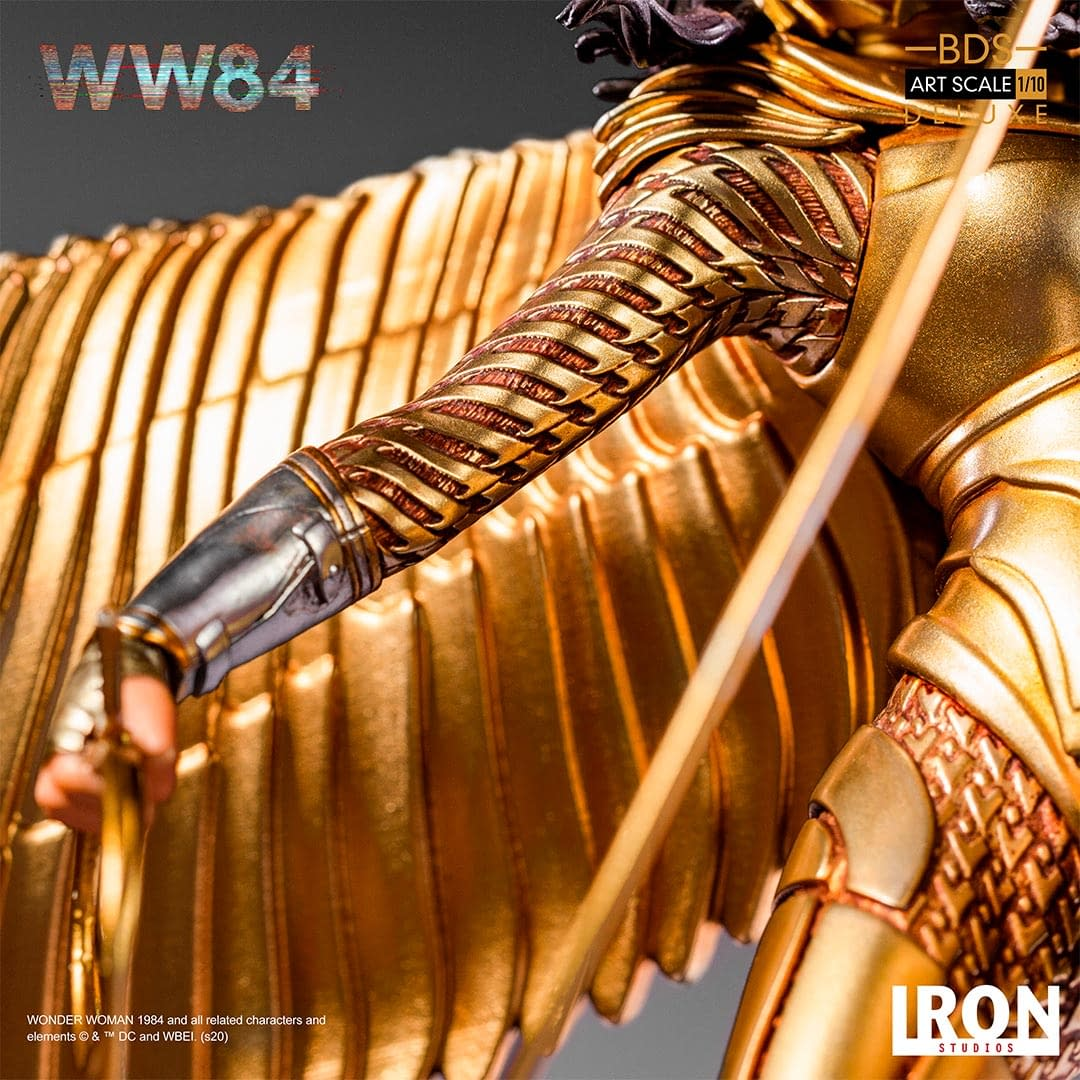 Wonder Woman is Golden in the New Iron Studios Statue