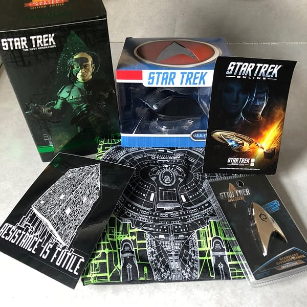 What's In The Box?!: Star Trek Mission Crate – April 2018